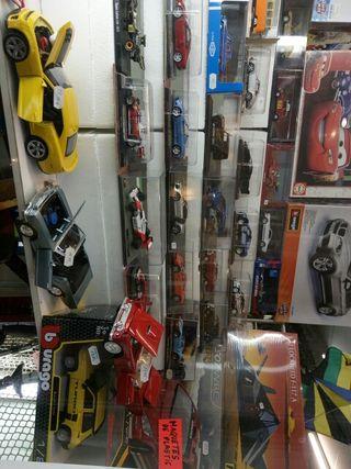 coches. 1,43. y 1,24.varios modelos