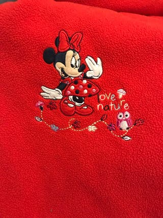 Manta roja Minnie Mouse