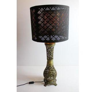 Antigua lámpara de bronce retro vintage