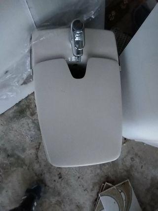 CHOLLO!!conjunto de baño muy nuevo desagua x abajo