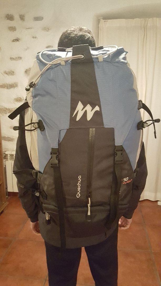 e695f18f5 Mochila Trekking Quechua Forclaz 50 Symbium de segunda mano por 22 ...