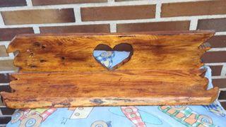 Balda /estantería de madera.