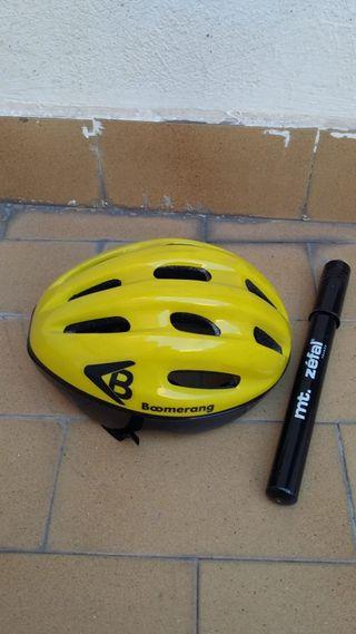 Casco y bomba de Bicicleta.