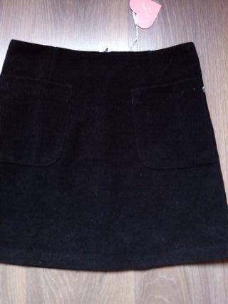 Falda negra Kling nueva
