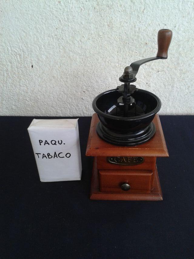 MOLINILLO CAFE MADERA Y METAL NEGRO