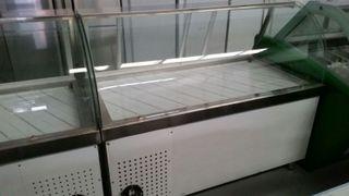 vitrina charcutera de cristal curvo