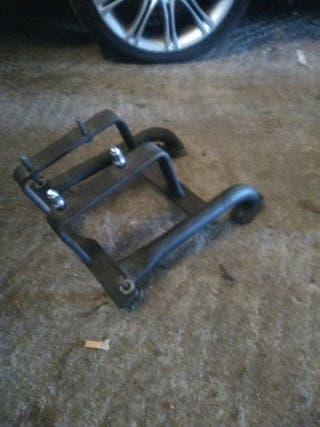 soporte rueda rzr
