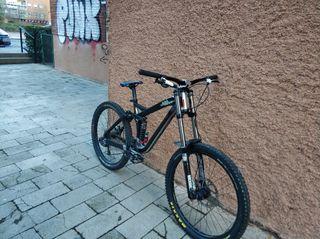 bici de descenso dh