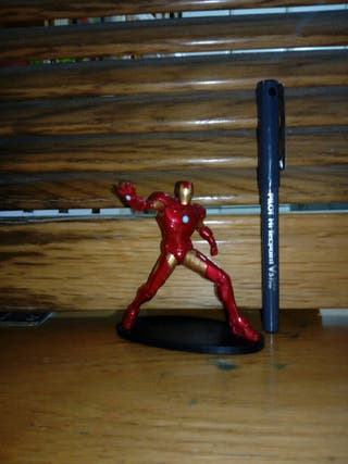 Ironman Marvel Disney Deluxe.