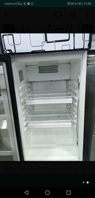 cámara frigorífica o botellero