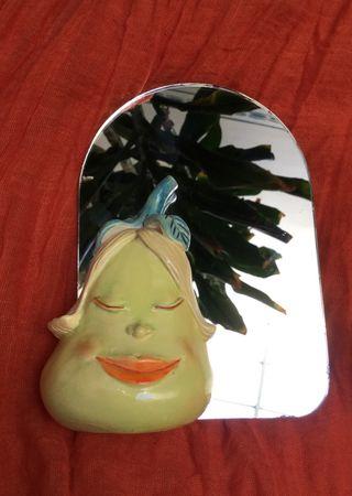 Espejo vintage con figura pintada a mano
