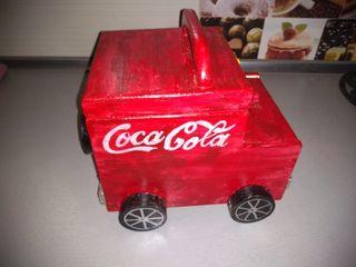 Camión madera de Coca Cola.