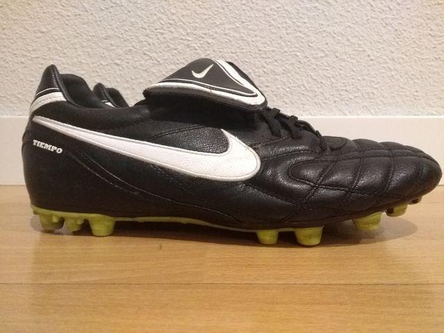 2943b6b4b Botas de fútbol de Nike. Talla 45 de segunda mano por 35 € en Madrid ...
