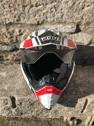 Casco AGV motocross a estrenar.