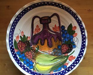 Fuente de cerámica esmaltada antigua