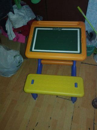 mesa cn asiento para niños