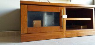 Mueble de TV con puerta y baldas