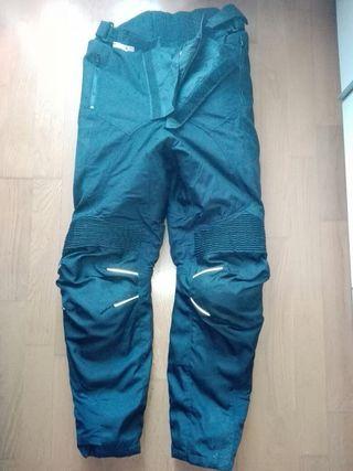 pantalón con protecciones mujer talla 38-40 negro.