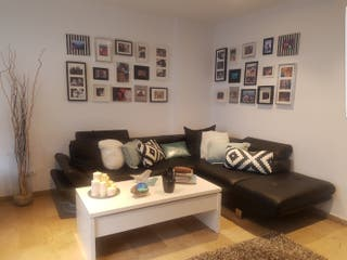 URGE!!!sofá chaise Long polipiel negro