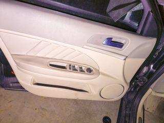 Panel puerta delantera izquierda alfa romeo 159