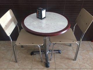 Sillas y mesas para bar cafetería .