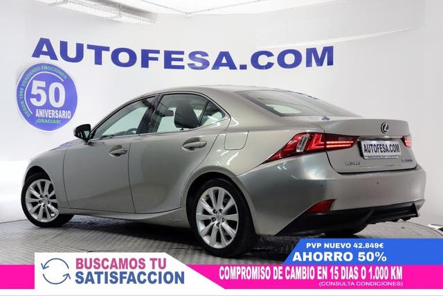 Lexus IS 300 300h 2.5 223cv Executive Tecno+NaviBox Auto 4p