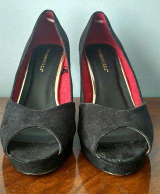 750eb400 Zapatos antelina de segunda mano en la provincia de Vizcaya en WALLAPOP