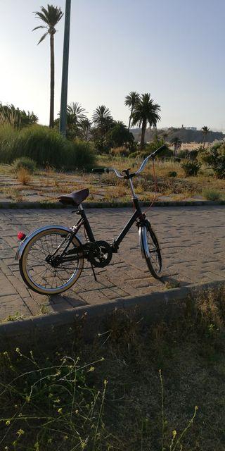 Bicicleta plegable pequeña