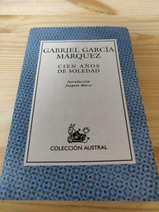 """Libro """"Cien años de soledad"""""""