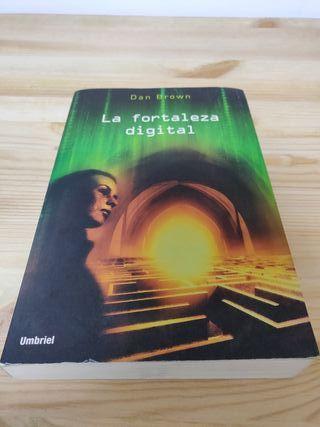 """Libro """"La fortaleza digital"""" de Dan Brown"""