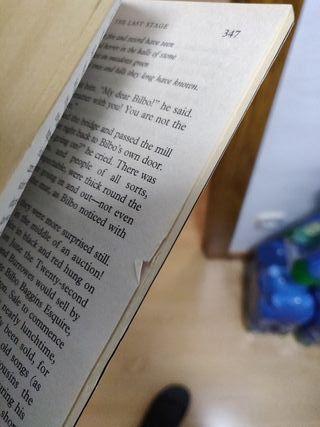 "Libro ""The Hobbit"" de J.R.R. Tolkien(ingles)"