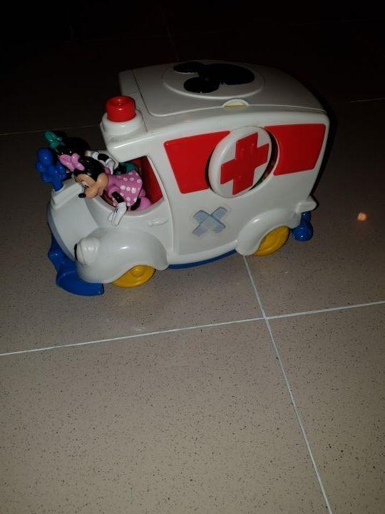 Ambulancia de Mickey Mouse