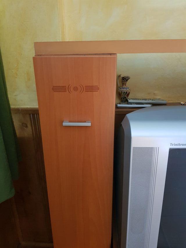 Mueble salón y tv madera