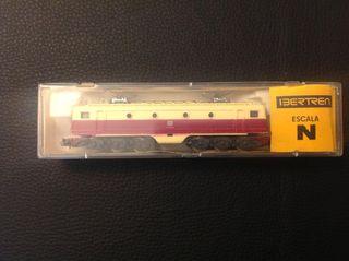Conjunto de maqueta,vagones y máquinas escala 3N