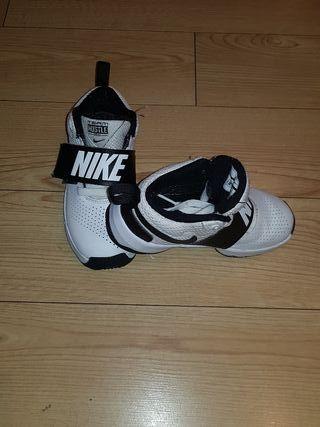 zapatillas nike niños 29