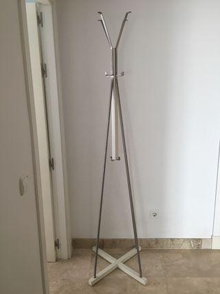 Perchero De Pie Ikea De Segunda Mano En Wallapop