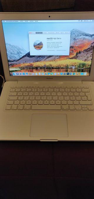 Macbook 13 Core2Duo,6GB DDR3, 1000GB HDD.