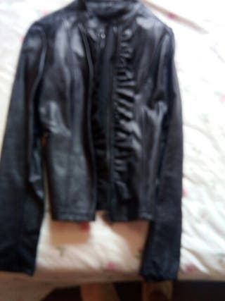 chaqueta azul de cuero