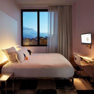 2 noches ( 8 y 9 de marzo) en hotel Mamma Shelter