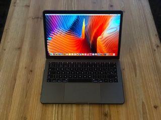 MacBook Pro 13 Pulgadas 256 SSD gris especial