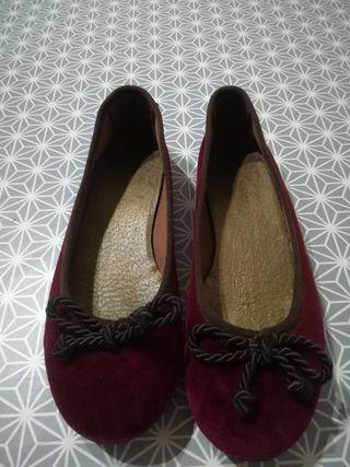 Zapatos. Manoletinas.