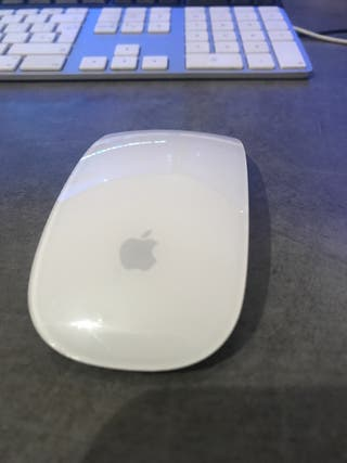 Magic Mouse 2 y teclado numérico apple