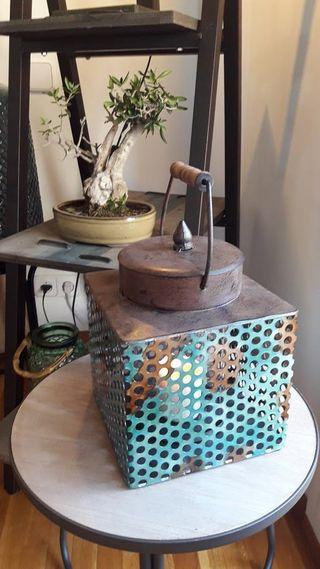 Caja metal turquesa