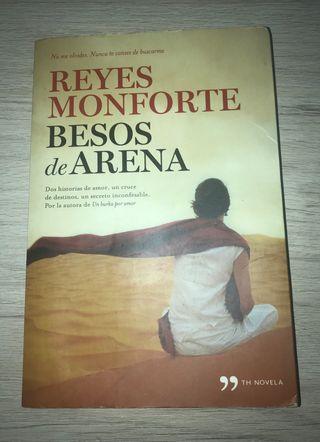 Libro lectura besos de arena Reyes Monforte
