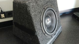 subwoofer coche.