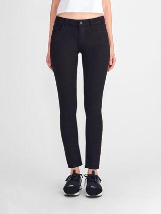Pantalón vaquero negro DL1961. Lujo.Talla 36 es