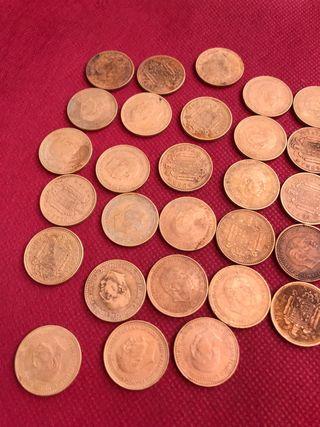 26 monedas de peseta de franco