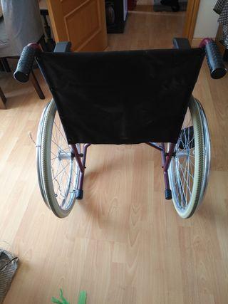 silla de ruedas negra