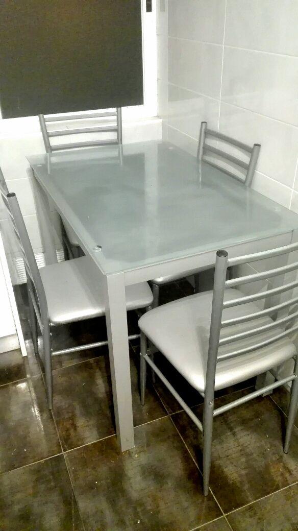 Conjunto mesa+sillas cocina de segunda mano por 50 € en Palma de ...