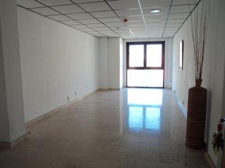 Oficinas en alquiler en Benalúa (Alicante).